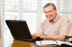 old-man-with-computer.jpg
